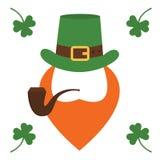 Duende do caráter do dia de St Patrick s com chapéu verde, barba vermelha, tubulação de fumo isolada ilustração stock