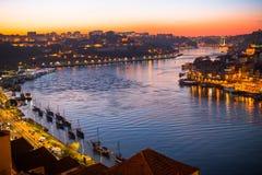 Duero-Flussansicht von oben genanntem an der Dämmerung porto Lizenzfreies Stockbild