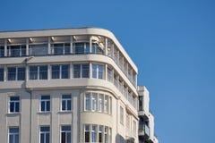 DUESSELDORF, ГЕРМАНИЯ - 14-ОЕ СЕНТЯБРЯ 2016: Фасад Tha современного здания на прогулке Рейна сравнивает с Стоковое фото RF