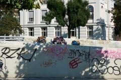 DUESSELDORF, DEUTSCHLAND - 17. AUGUST 2016: Waren und Mobilien zeigen Armut und obdachlose Frage in Duesseldorf, auch Stockbild