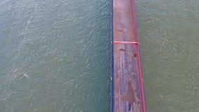 Duesseldorf, Germania - 6 aprile 2018: La nave Rimpen Ijssel del trasporto è guidare vuoto sul fiume il Reno vicino video d archivio