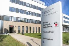 Duesseldorf Niemcy, Wrzesień, - 04 2017: Nowi budynki Florence Nightingale szpital kończą wewnątrz Fotografia Royalty Free