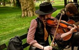 Duettmusiker 2 arkivbild