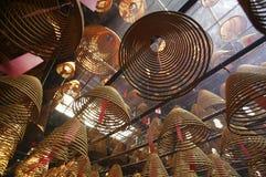 Duft in einem Hong- Kongtempel stockfotografie