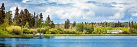 Dugan sjö på Williams Lake British Columbia Canada royaltyfria bilder