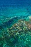 Duidelijk turkoois overzees water Royalty-vrije Stock Fotografie