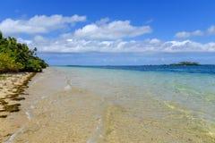 Duidelijk water bij Pangaimotu-eiland dichtbij Tongatapu-eiland in Tonga Royalty-vrije Stock Fotografie