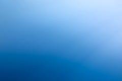Duidelijke blauwe hemel als achtergrondbehang, het behang van de pastelkleurhemel stock afbeelding
