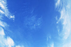 Duidelijke blauwe hemel en wolken Royalty-vrije Stock Fotografie