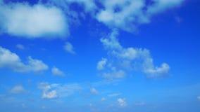 Duidelijke blauwe hemelachtergrond Stock Foto
