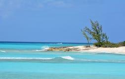 Duidelijke blauwe oceaan Royalty-vrije Stock Foto