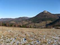 Duidelijke dag in Slowaakse heuvels vrchy Strazovske Royalty-vrije Stock Fotografie