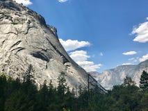 Duidelijke Dag van Yosemite-Vallei stock afbeeldingen