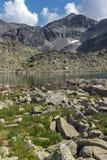 Duidelijke hemel over van Musala de piek en van Musalenski meren, Rila-berg Royalty-vrije Stock Afbeeldingen