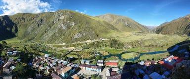 Duidelijke wateren van de rivier ½ van Caï ¿ ete en Vilca-dorp, Peru Stock Foto's