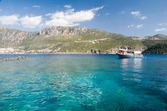 Duidelijke wateren van het Middellandse-Zeegebied royalty-vrije stock fotografie