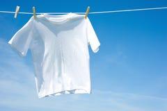 Duidelijke Witte T-shirt Stock Foto