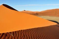 Duin in woestijn Namib in Namibië, Afrika Stock Afbeeldingen