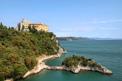 Duino Schloss, Italien stockfotos