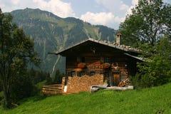 Duits Huis in de bergen Stock Foto