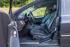 Duits luxueus limousinebinnenland - sedan, leerzetels Royalty-vrije Stock Afbeeldingen