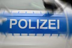 Duits politiewagen het van letters voorzien detail stock foto's