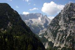 Duitse Alpen - Zugspitze, de hoogste berg van Duitsland Stock Foto's