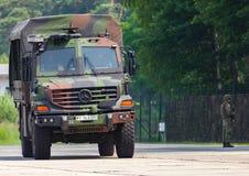 Duitse legervrachtwagen, Mercedes-Benz Zetros Stock Fotografie