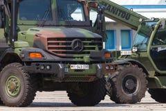 Duitse legervrachtwagen, Mercedes-Benz Zetros Stock Foto