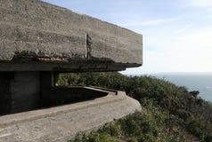 Duitse observatiepost boven de Baai van Moulin Huet Royalty-vrije Stock Foto's