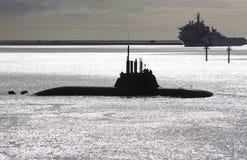 Duitse onderzeeër op de oppervlakte royalty-vrije stock afbeeldingen