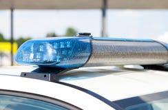 Duitse politiewagentribunes op luchthaven Stock Foto