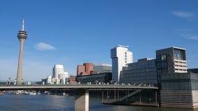 Duitse stad Dusseldorf stock video