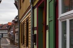 Duitse traditionele deuren in een Duitse straat stock afbeeldingen