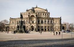 Duitsland, Dresden, 03 02 2014, Semperoper-de operabouw bij nacht in Dresden stock afbeeldingen