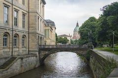 duitsland Een kleine rivier vloeit door de stad In de laatste eeuw, gingen de schepen naar de rivier Royalty-vrije Stock Foto