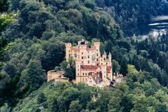 Duitsland, München - September 06, 2013 Hohenschwangaukasteel in de Beierse Alpen royalty-vrije stock foto's