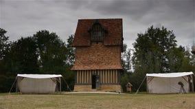 Duiventil bij kasteel Crevecoeur Engelse Auge in Normandië Frankrijk stock footage