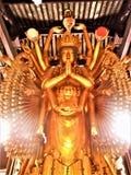 Duizend Handen Guanyin en Boeddhisme, goud en lichten, kunst en godsdienst in China royalty-vrije stock foto's