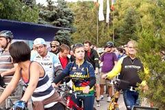Duizenden die voor fietsstegen protesteren in Boekarest Stock Fotografie