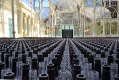 Duizenden glasflessen Stock Foto's