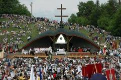 Duizenden Hongaarse pelgrims stock afbeeldingen