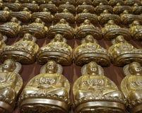 Duizenden kleine beelden van Boedha in de Zaal van Meun Buddhasukkhavadi Stock Afbeeldingen