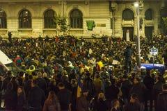 Duizendenprotesteerders in Boekarest Royalty-vrije Stock Afbeeldingen