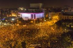 Duizendenprotesteerders in Boekarest Royalty-vrije Stock Foto