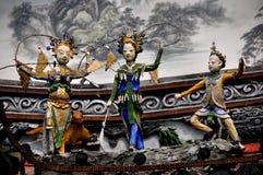 Dujiangyan, Cina: Figure scolpite del ponte Immagine Stock Libera da Diritti