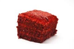 Dukan bantar Röd sammet, nytt läckert bantar kakan på Dukan bantar på en vit bakgrund Fotografering för Bildbyråer
