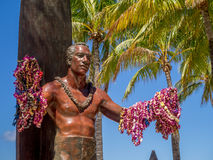Duke Kahanamoku Statue on Waikiki Beach Royalty Free Stock Images