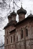 Dukhov修道院-一个正统修道院在Veliky诺夫哥罗德,是 库存照片