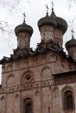 Dukhov修道院-一个正统修道院在Veliky诺夫哥罗德,是 免版税库存图片